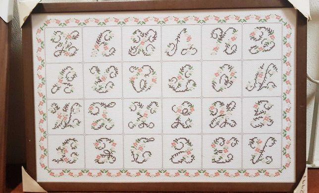 Quadro de ponto cruz do abecedário