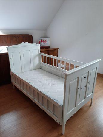 Łóżeczko dziecięce drewniane bardzo oryginalne