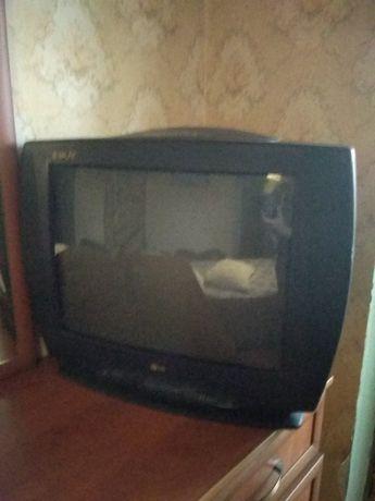 Телевізор показує добре
