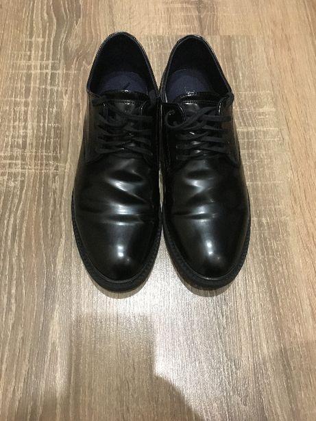 Продам туфли на мальчика Zara