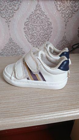 Кросівки 18/19 розмір фірми H&M, кросівки на рочок, кроссовки на годик