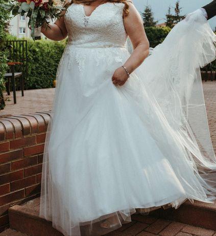 Suknia ślubna z kolekcji Stella York 2020