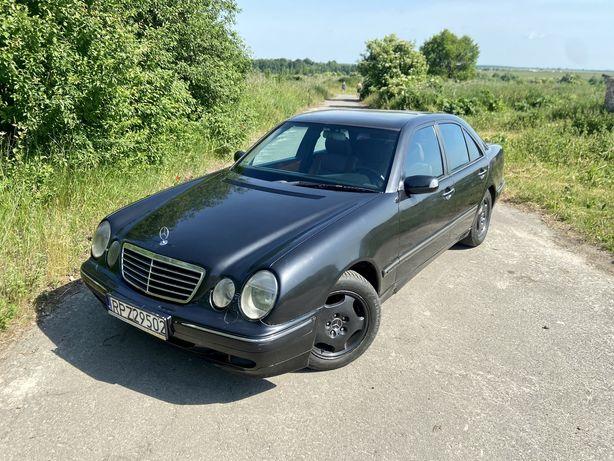 Mercedes E210 320 disel, automat, sedan.