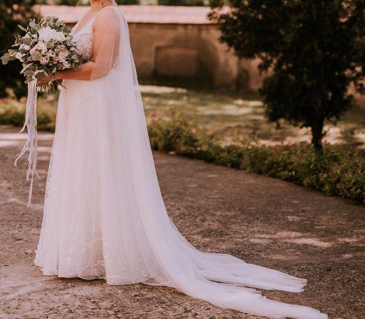 Suknia ślubna z szarfami