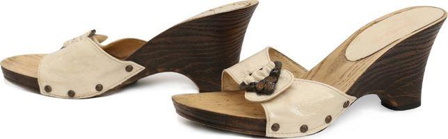 Обувь шлепанцы