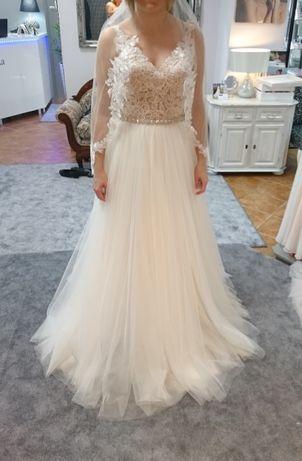 Koronkowa suknia ślubna litera A z cyrkoniami