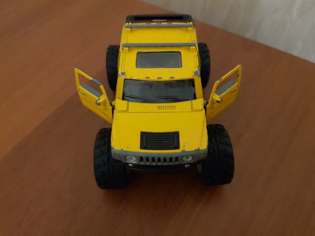 Модель машины Hummer H2 Sut, Monster truck, внедорожник, Kinsmart