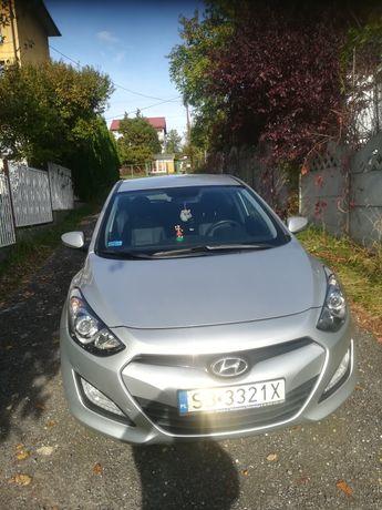 Hyundai i30 srebrny