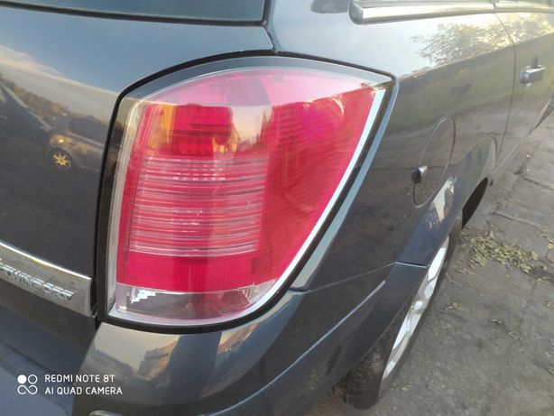 Opel Astra H lampa prawy tył