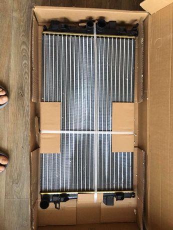 Продам радиатор на Мерседес VITO 109 CDI новый