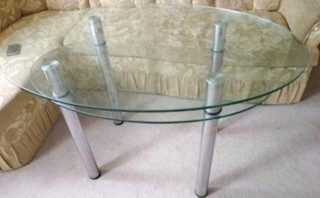 Стіл столовий скляний