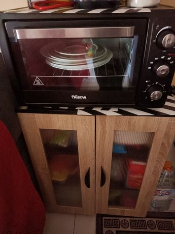 Armário de cozinha e forno  Elétrico