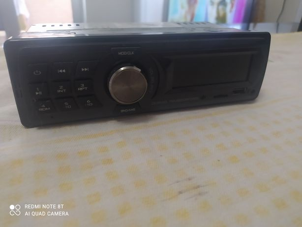 Auto rádio semi novo