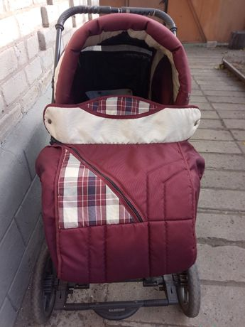 Детская коляска для ребёнка