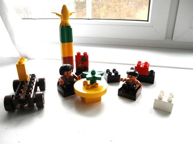 lego Duplo klocki, 2 ludziki,meble,pojazd
