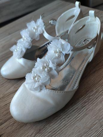 Buty pantofelki białe komunijne że Smyka rozmiar 34