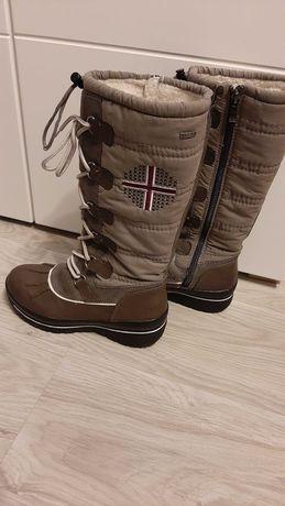 Buty śniegowce idealne w góry