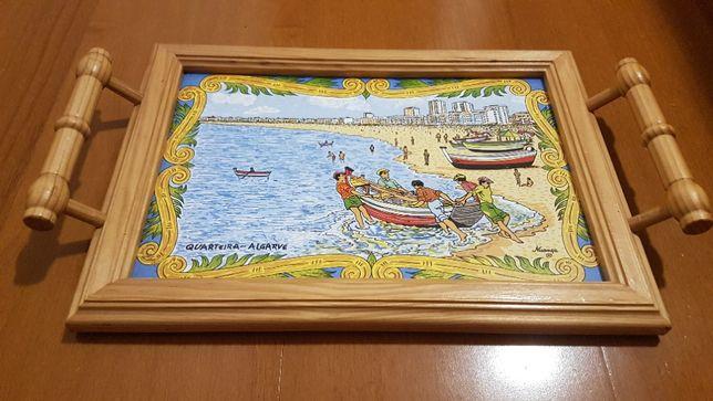 Tábua de Queijos em Madeira e Cerâmica - Motivo Algarvio (Quarteira)