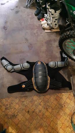 Защиьа спины, плечей и рук Rossignol