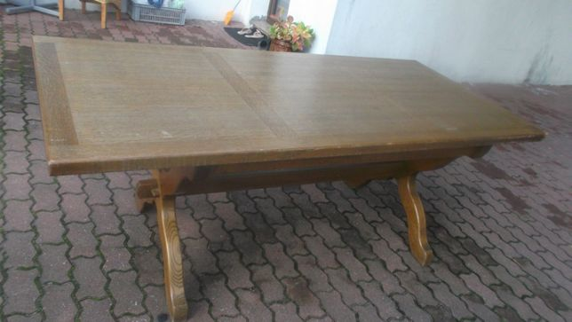 Do renowacji biesiadny solidny ciężki jednoczęściowy stół