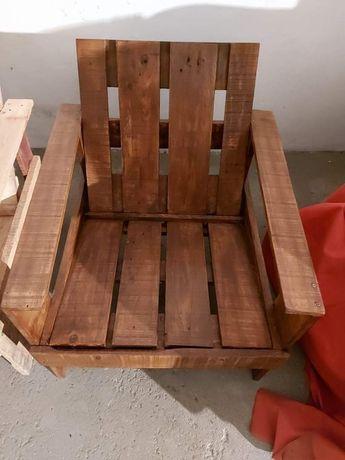 Cadeiras de jardim novas