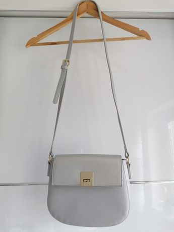 Szara torebka listonoszka na ramię Monnari