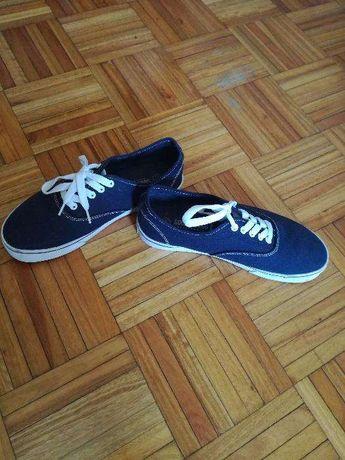 Sapatilhas cor azul tam 41