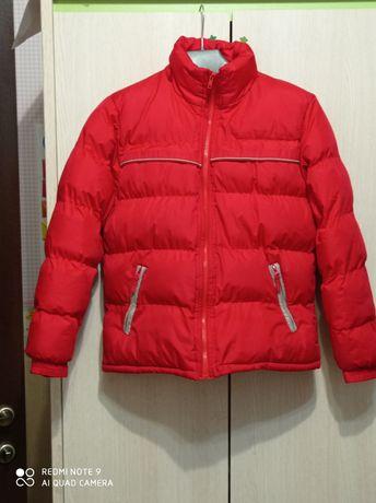 Пуховик куртка зимняя теплая 146р на подростка