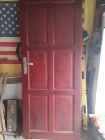 Drzwi drewniane używane  w komplecie klamka