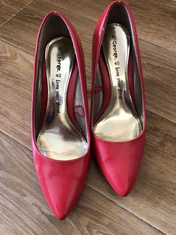 Туфли красные,лаковые,40р