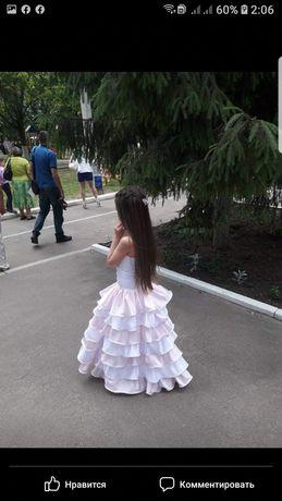 Выпускное платье в садик бальное корсет бело-розовое дошкольник школа