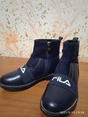 Продам дівчачі ботиночки