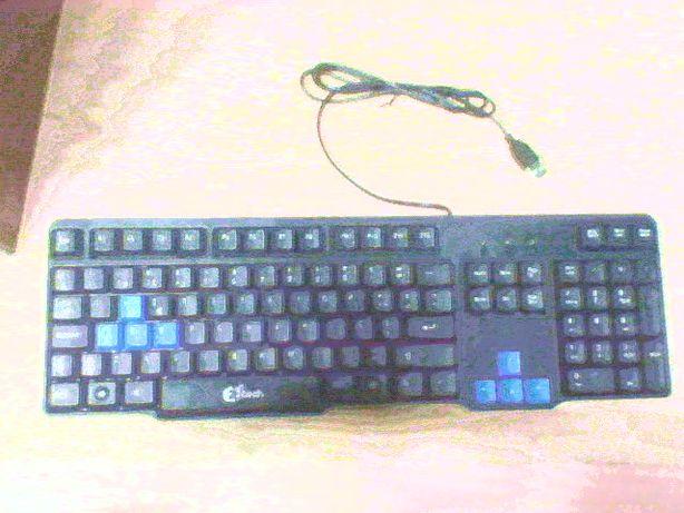 "Teclado de computador ""Z8tech KB 1802"""