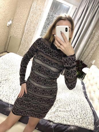 Стильное платье с кружевом в размере М-44 !