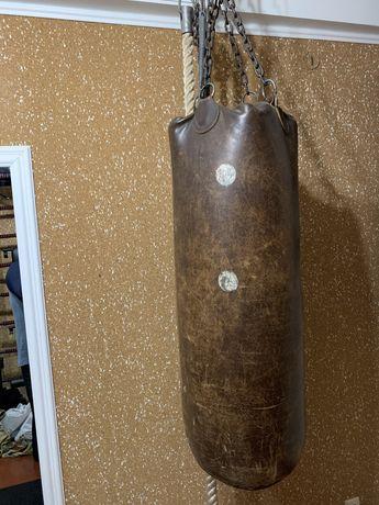 Кожаный советский боксёрский мешок