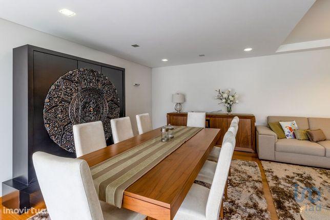 Moradia - 444 m² - T3