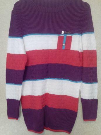 Длинный трикотажный свитер с шарфом