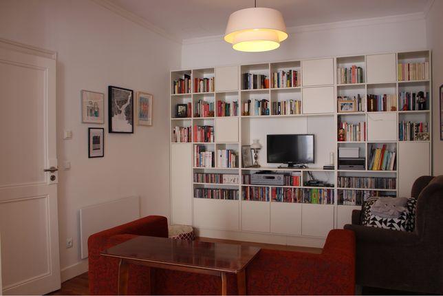 Biblioteca em MDF lacado de branco