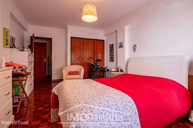 Apartamento T2 Massamá 105 m2 - 4 minutos da estação
