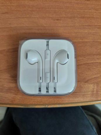 Słuchawki Apple nowe po 80 złotych jedna para