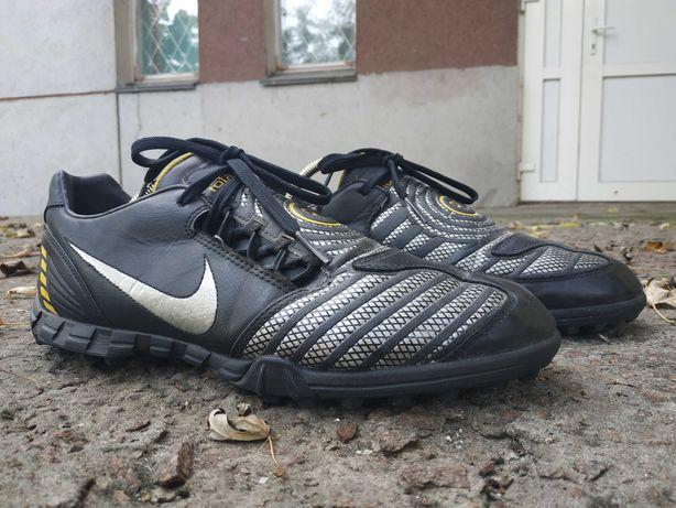 Продам Сороконожки,бапмы Nike TOTAL 90