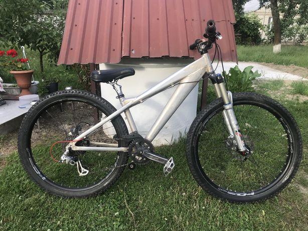Велосипед Горно-дорожній