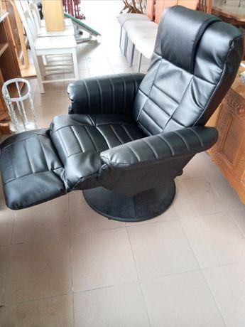 Масажне крісло ,шкір'яне