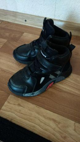 Детские высокие кроссовки ботинки