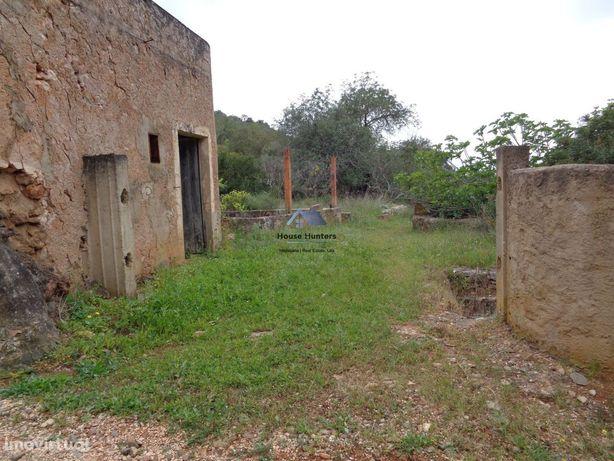 Terreno com Ruina | Furo | Eletricidade | Paderne | Albufeira