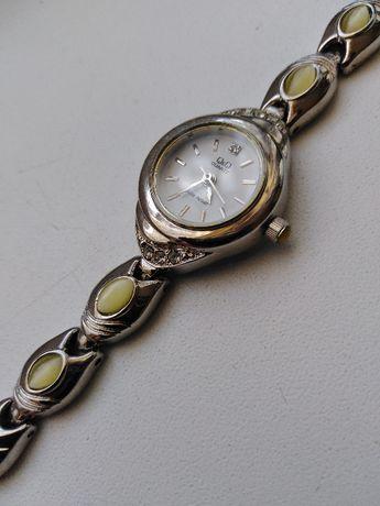 Zegarek Damski biżuteryjny Q&Q