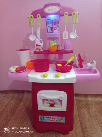 Детская кухня с живым краном