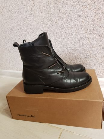 Чоботи, черевики, ботинки, сапожки