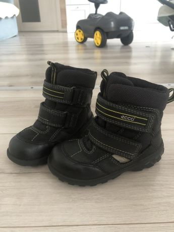Ботинки зимние Ecco 25р мальчику