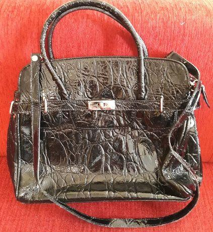 Czarna torebka ze skóry firmy Renato Bernatini